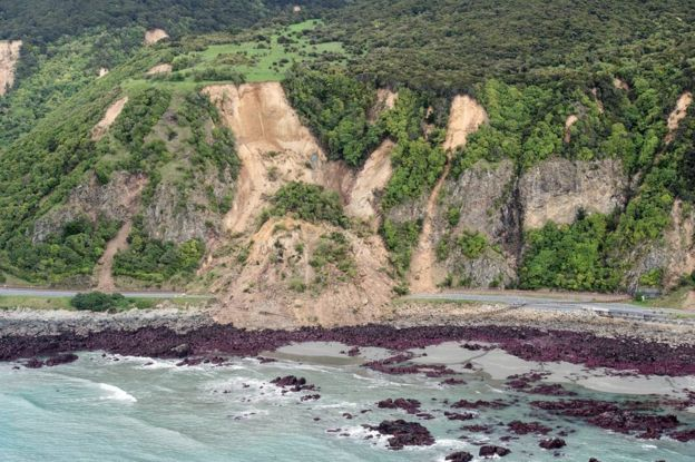 A handout picture released by the New Zealand Defence Force (NZDF) on 14 November 2016 shows an aerial view taken during aerial surveys by Royal New Zealand Air Force (RNZAF) aircraft showing damage to infrastructure following the 7.5 magnitude Hanmer Earthquake near the Kaikoura Coast, New Zealand.