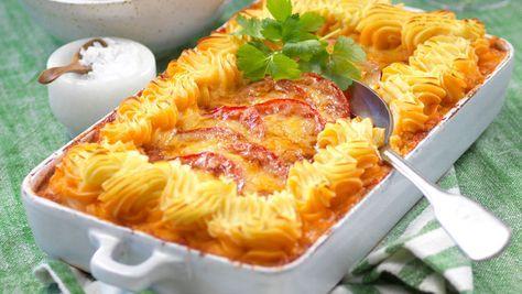 Läcker och lyxig färsgratäng som får det lilla extra med gratinerad potatismos. Perfekt för både vardag och fest!