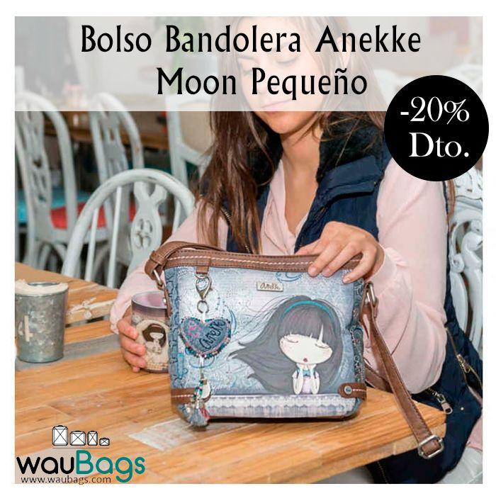 """Bolso Bandolera Anekke de la colección """"Moon"""", con amplio compartimento principal con cremallera, varios bolsillos interiores y un bolsillo exterior en la parte trasera, también con cierre de cremallera.  Con correa regulable para llevar el bolso colgado al hombro o bien en bandolera. @waubags.com #anekke #bolso #bandolera #complementos #oferta #descuento #waubags"""