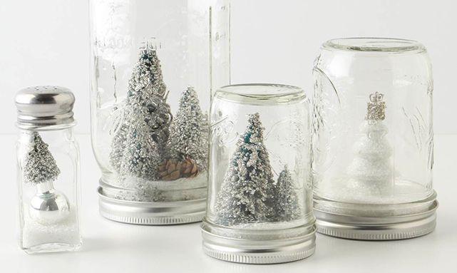 Alleen al bij het woord december gaan mijn handen jeuken om het huis in kerstsferen te brengen. Kerstboom van zolder halen, optuigen en versieren, lampjesslinger ophangen en ga zo maar door.