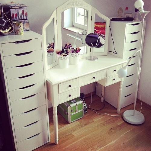 1000+ Images About Vanity Set Up Ideas On Pinterest