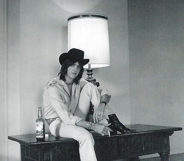 Ingram Cecil Connor III (known professionally as Gram Parsons).  5 November 1946-19 September 1973.  Overdose of morphine & alcohol.