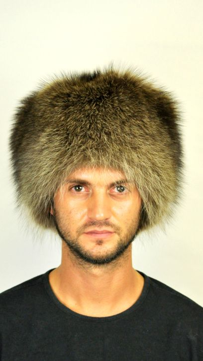 A classic style that never ages. Real raccoon fur hat, unisex.  Warm and trendy fur hat, ideal for cold winter. This hat fits both men and women. Made in Italy.  www.amifur.com