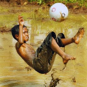 Soccer dreamers...everywhere in the world! http://marcoizurietac.wordpress.com/