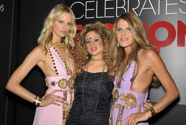 Miri Ben Ari and Anna dello Russo Photo - Fashion's Night Out At Macy's Herald Square