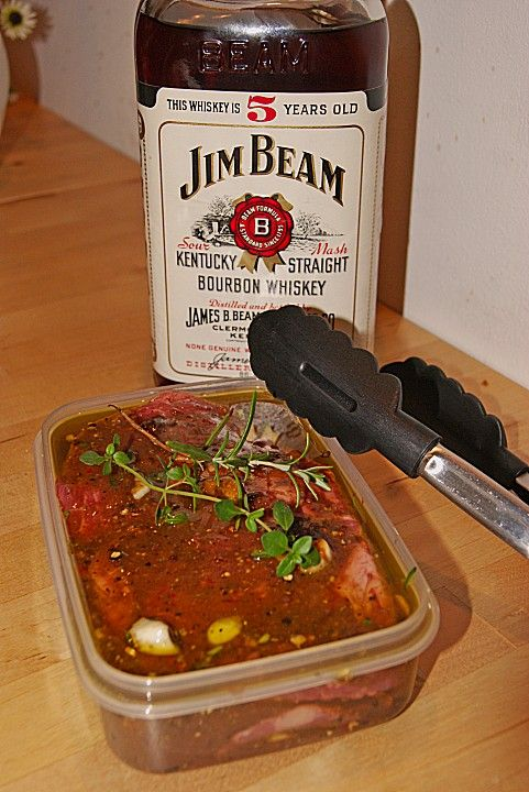Whiskey - Honig - Senf Marinade für Schweinefleisch und Rindfleisch, ein beliebtes Rezept aus der Kategorie Rind. Bewertungen: 17. Durchschnitt: Ø 4,2.
