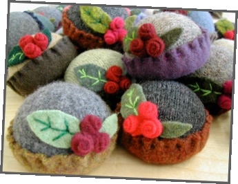 Pincushions from Reclaimed Wool! Need a little old-fashioned charm on your craft-table? These little woolen delights are just the thing!