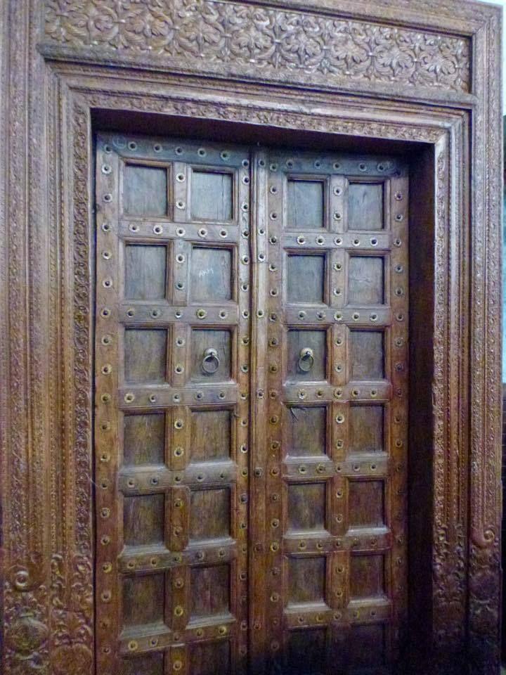 Puertas antiguas muebles y objetos nicos de la colonia - Compro puertas antiguas ...
