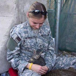 Женщина-солдат отказалас…
