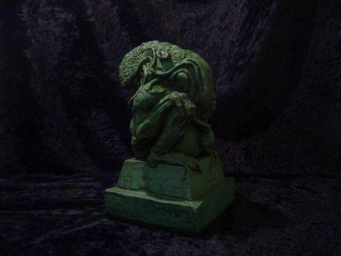 C'thulhu Scupt.  via- The Temple of Dagon » Richard Allen Poppe