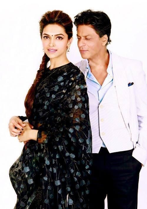 Embedded image permalink-Dashing hot HD pic of Shah Rukh Khan and Deepika Padukone looking gorgeous.