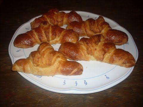 Recette des Croissants maison / Homemade croissants - English subtitles - 750 Grammes - YouTube