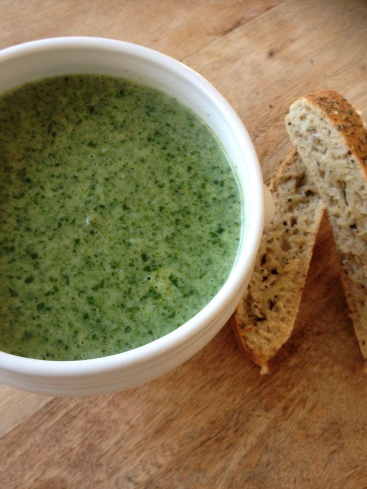 Heerlijke spinazie soep gemaakt. Kijk voor recept op: http://www.ikkookook73.blogspot.nl/2015/04/spinaziesoep.html