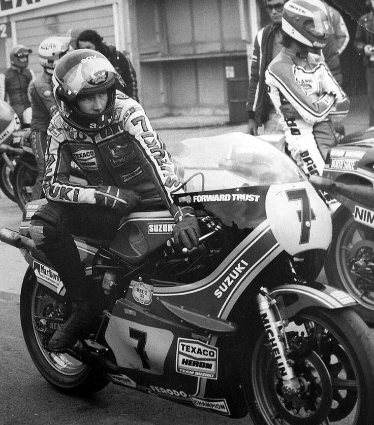 Great photo of Our Bazzer. Looking at the tiny Brut 33 sticker makes me wonder how well the Brut people negotiated the sponsorship deal. In today's world I suspect BS would have had a 'Brut' themed bike with a piddly Suzuki sticker or two on it somewhere.