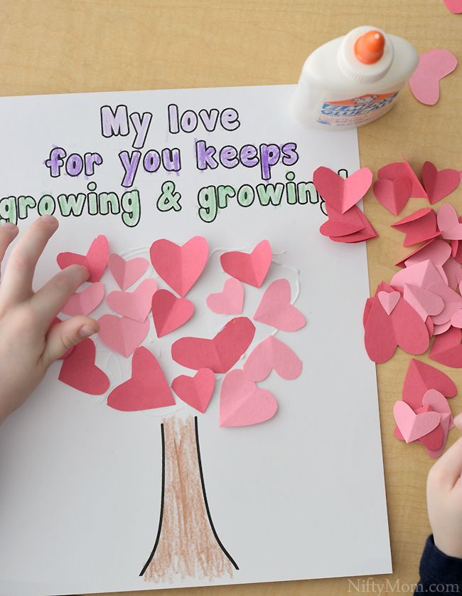 Preschool Heart Tree Craft with printable activity sheet (Great for Valentine's Day!)