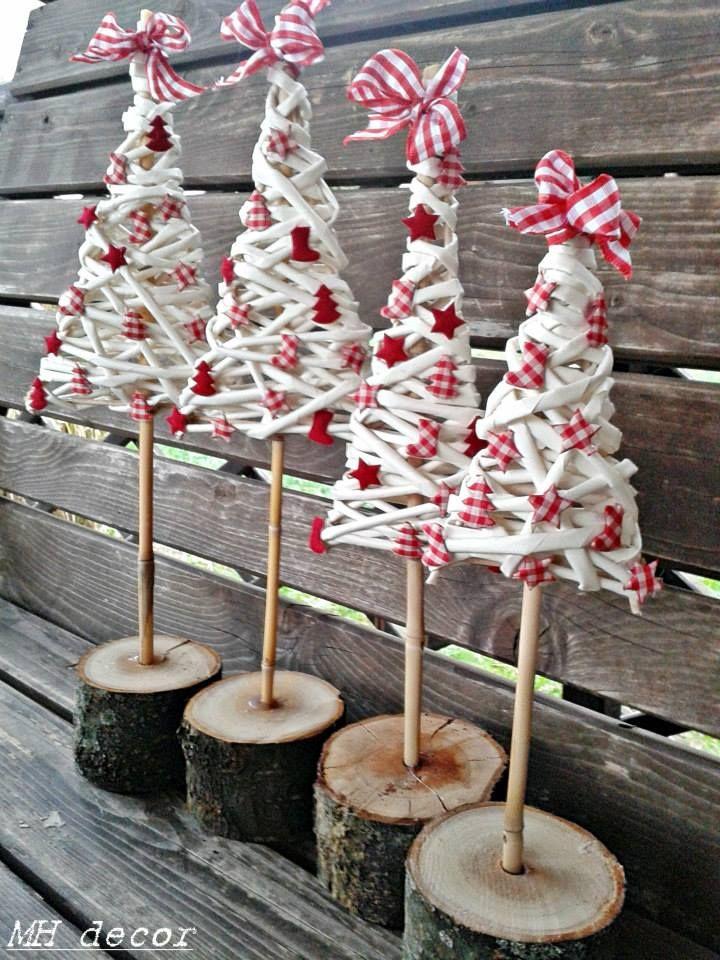 Bielo-červené stromčeky