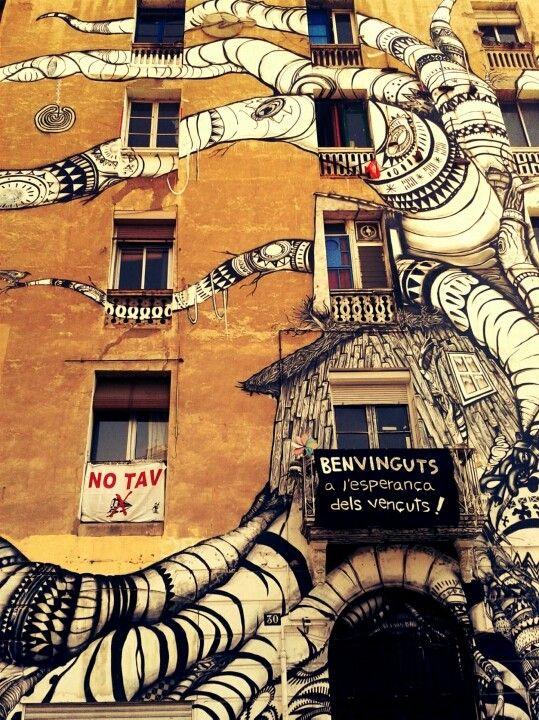 Barcelona, street art, occupied house