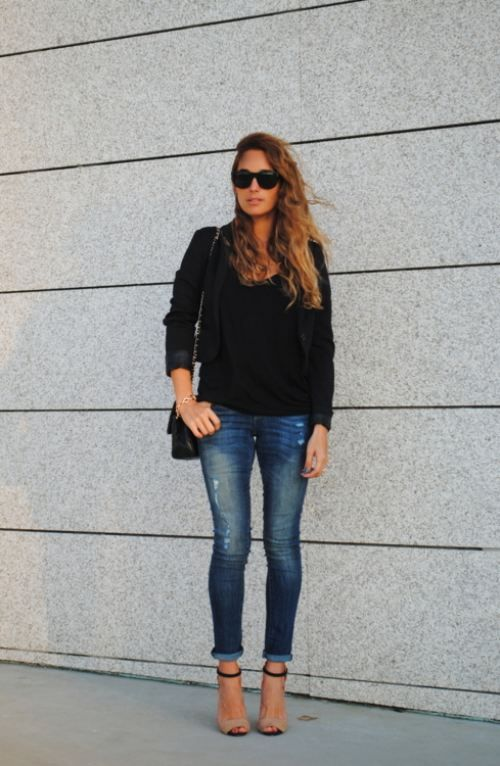 Black blazer, semi-destroyed super skinny jean,strappy heel