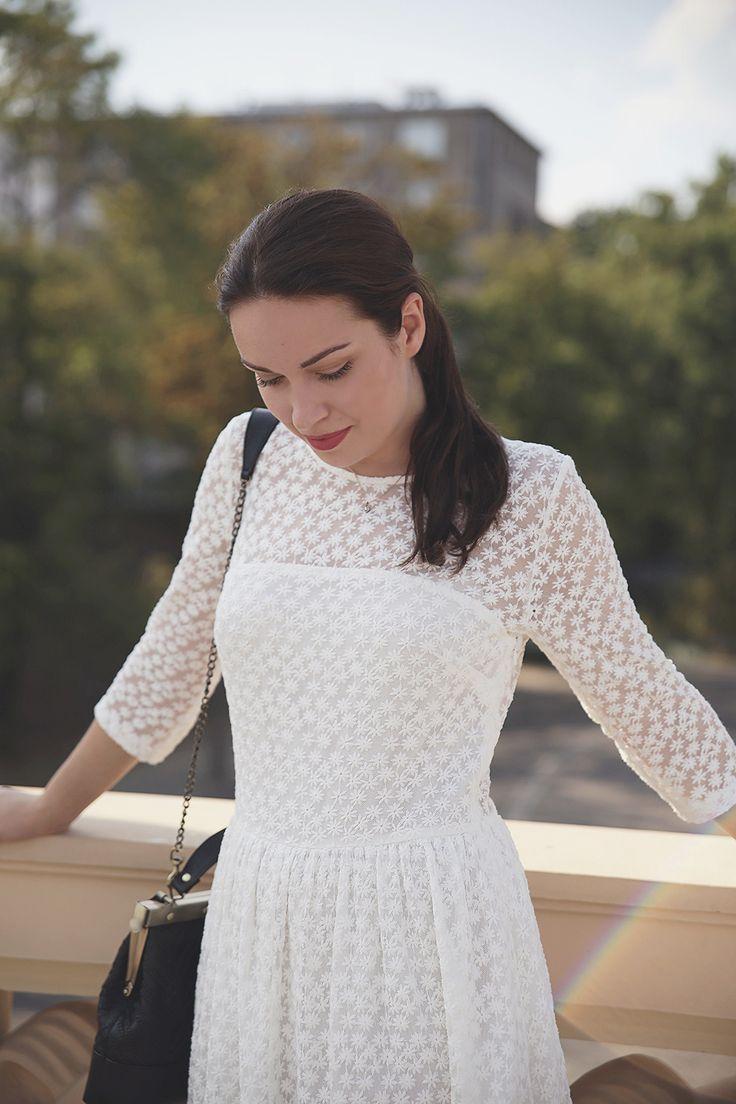 http://karolinabaszak.com/white-maxi-dress/   white maxi dress