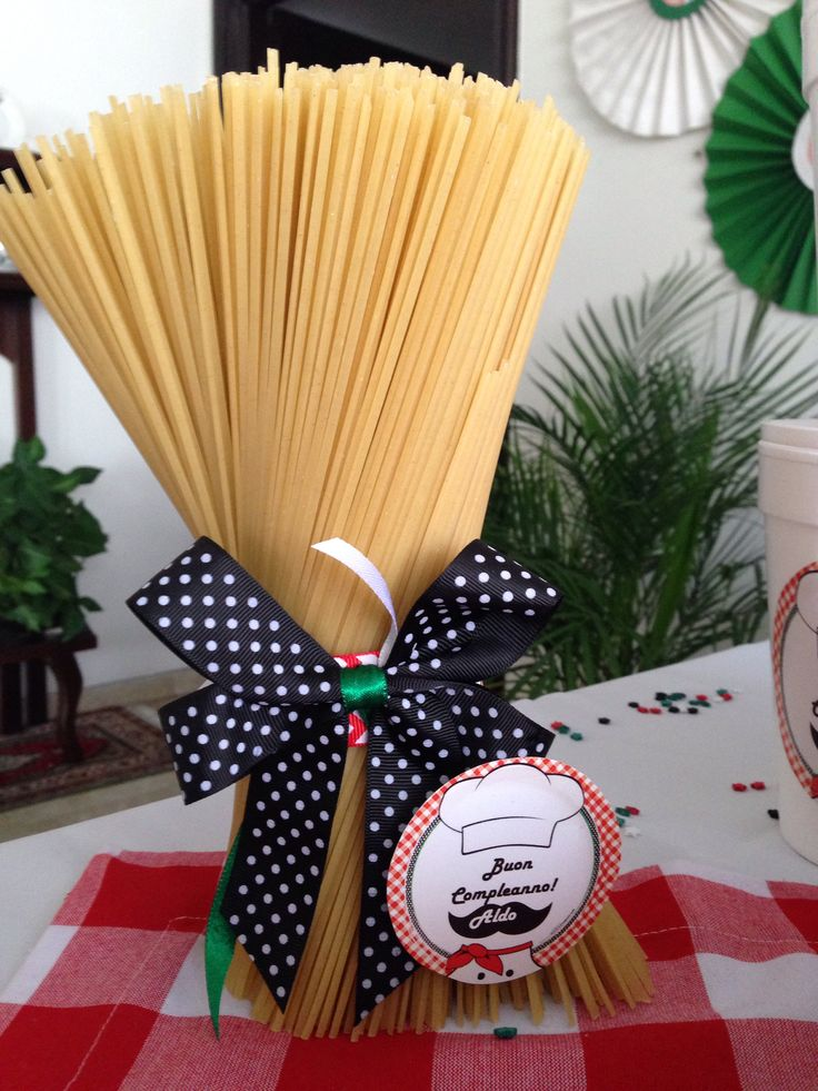 17 best images about staff appreciation lunches on pinterest for Italia decor