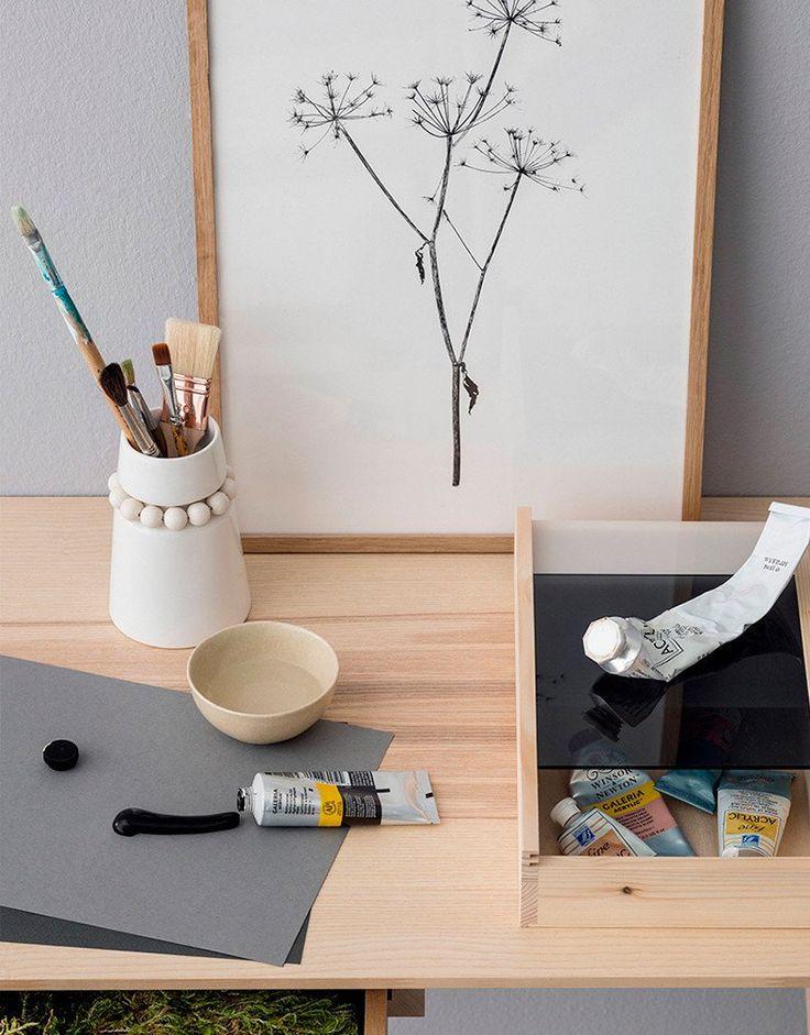 Home accessories like Nuppu vase and Spectri box. www.aarikka.com