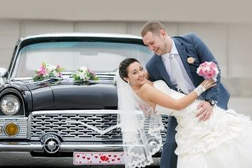 We offer a vast selection of stretch limousines for your wedding needs. Make your day special and Call us at 647-693-8868.