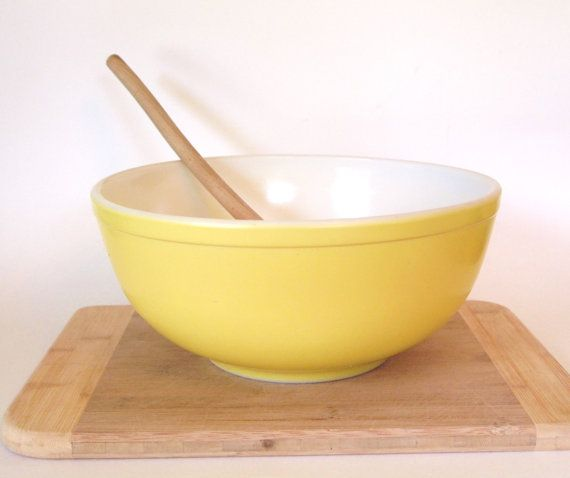 Vintage Large Mixing Bowl Pyrex 1940's Non by cocoskitchen on Etsy