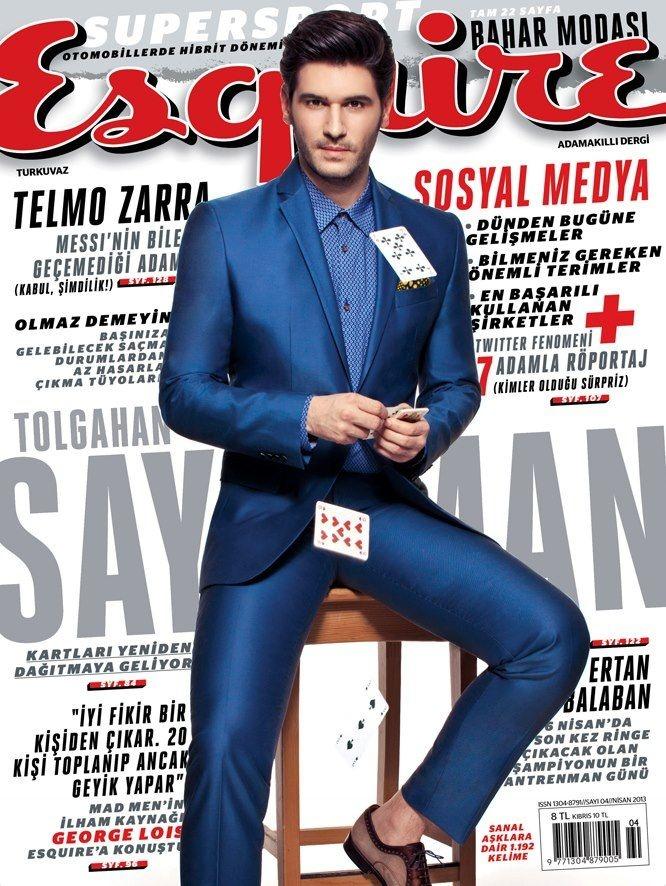 The Derek's Blog: Tolgahan Sayisman apuesta por el azul en la portada de Esquire Turquía de Abril