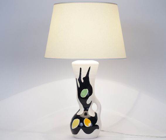 Lampe en céramique multicolore XXème siècle Hauteur avec abat-jour : 43 cm www.jifcollin.com