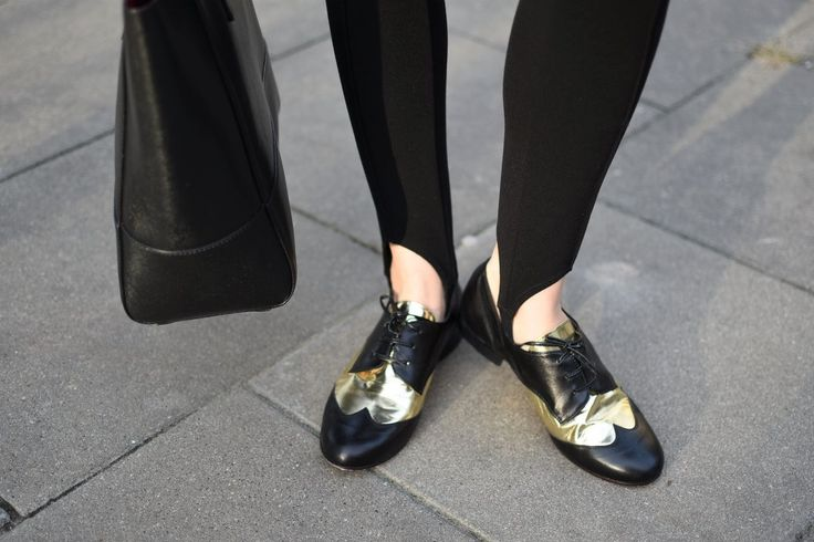 Black and gold shoes. Street Style. Every Style www.everystyle.pl