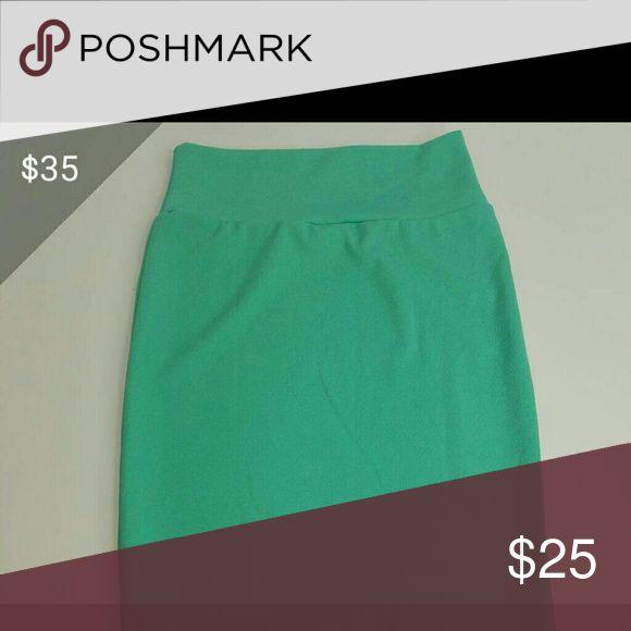 NEW LULAROE XS CASSIE MINT GREEN SKIRT 2-6 Beautiful stretchy mint green skirt by Lularoe. Size XS LuLaRoe Skirts Midi