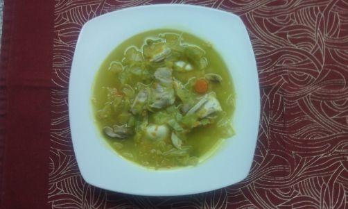 Sopa de col y pollo para #Mycook http://www.mycook.es/receta/sopa-de-col-y-pollo/
