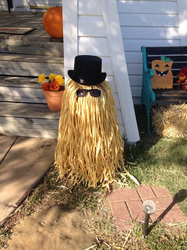 Cousin It made from a tomato cage and a grass skirt in ...