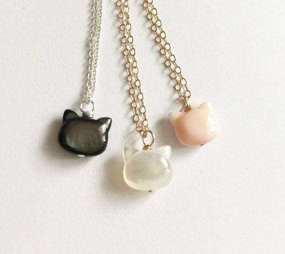Madre di gatto perla collana  amanti dei gatti piccoli di GemLark
