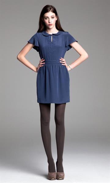Какой цвет колготков под синее платье