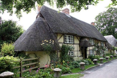 25+ Best Ideas About Little Cottages On Pinterest
