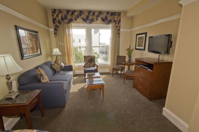 Photo Tour - Gaslamp Plaza Suites Hotel