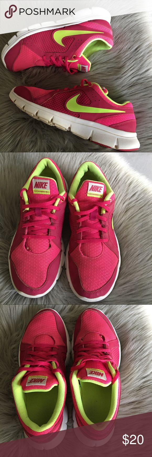 🎉Woman Nike Flex Experience RN 2🎉 In great condition with no flaws Nike Flex Experience shoes. Nike Shoes Athletic Shoes