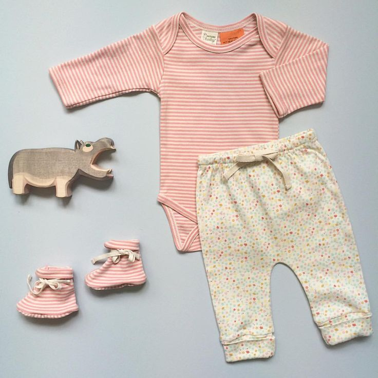 Organic cotton essentials in Blossom Stripe and Pollyanna Print. Happy Friday, everyone! ♡