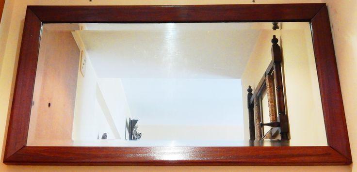 Espejo biselado rectangular marco madera 95 x 50 (Borde marco 6cm) Detalles de algunas rayaduras pequeñas en el vidrio Marco impecable! Precio: 980$