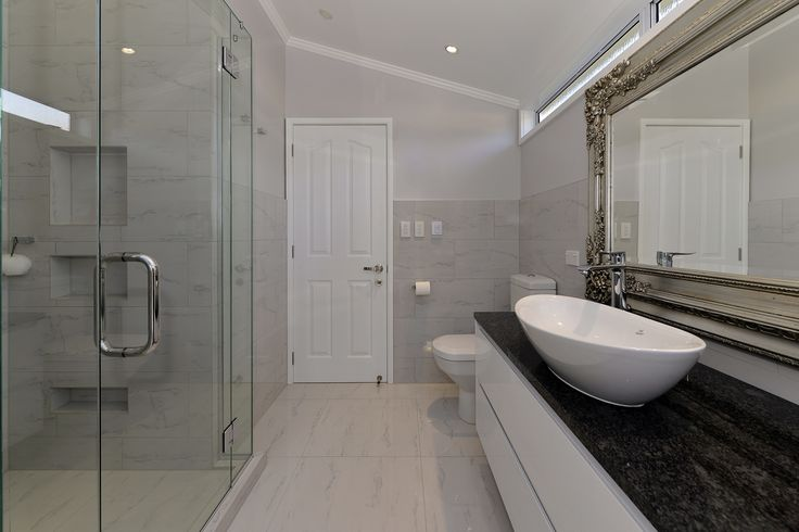 Wall tiles help protect the wall surface from splashes