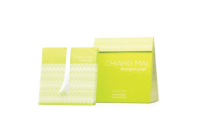 CHIANG MAI (Lemongrass Ginger) - 3 hanging scented sachets // Recreate the serenity of a Thai spa with this zesty blend of lemongrass and ginger, enlivened with clove, moss and pine