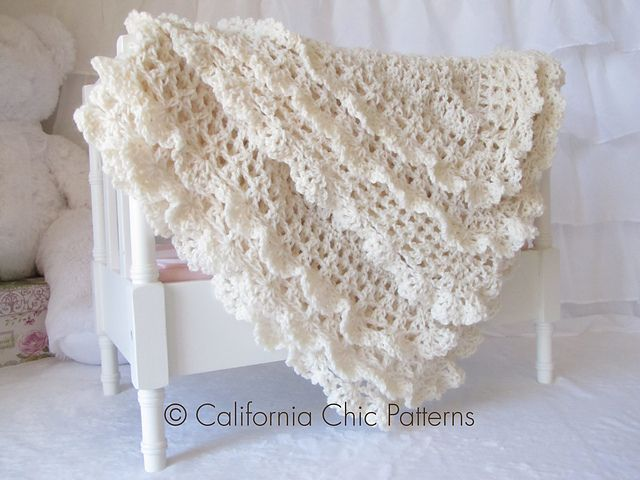 Make this gorgeous heirloom baby blanket with Lion Brand BabySoft!