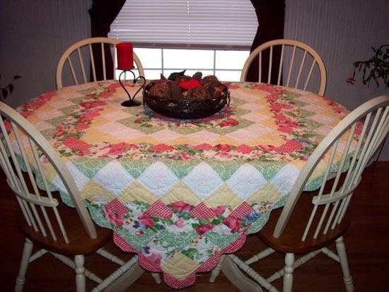 44 best Quilted. Table cloths images on Pinterest | Tray tables ... : quilted tablecloth table linens - Adamdwight.com