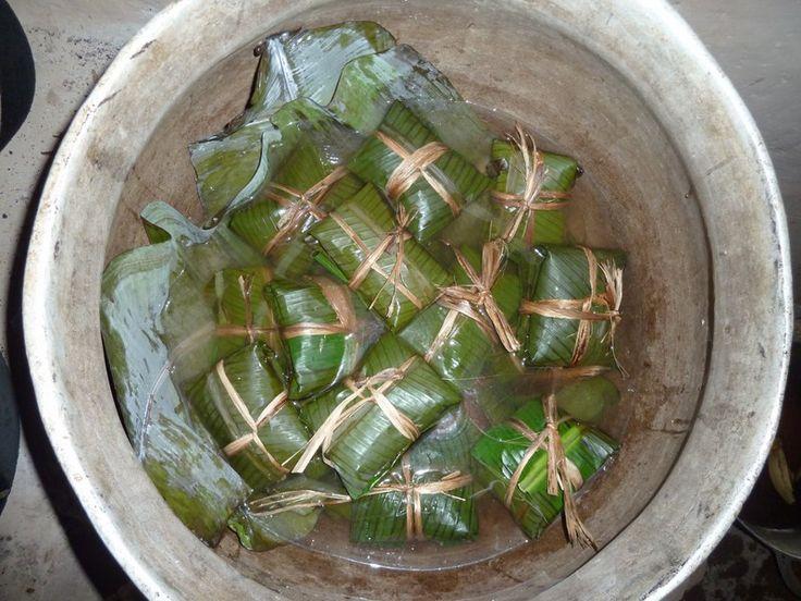 Il nacatamal è un fagotti tipico del Nicaragua, realizzato con foglie di banano dalle donne e dai bambini dei villaggi.