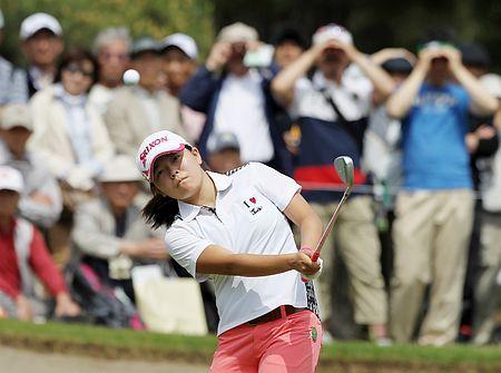 13番、勝みなみのアプローチ=8日、茨城GC西 ▼8May2014時事通信|風に悩まされた勝=ワールドレディースゴルフ http://www.jiji.com/jc/zc?k=201405/2014050800962 #Minami_Katsu