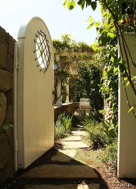 Ted Danson's and Mary Steenburgen's guest house in Ojai via Hooked on Houses.