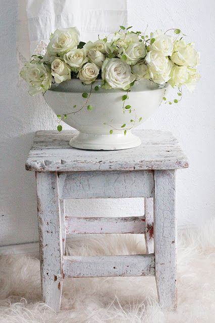 VIBEKE DESIGN Sweet Vignette... LoVe the Stool