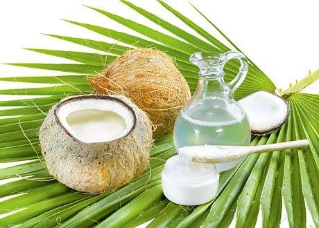 Kokosolja balanserar huden