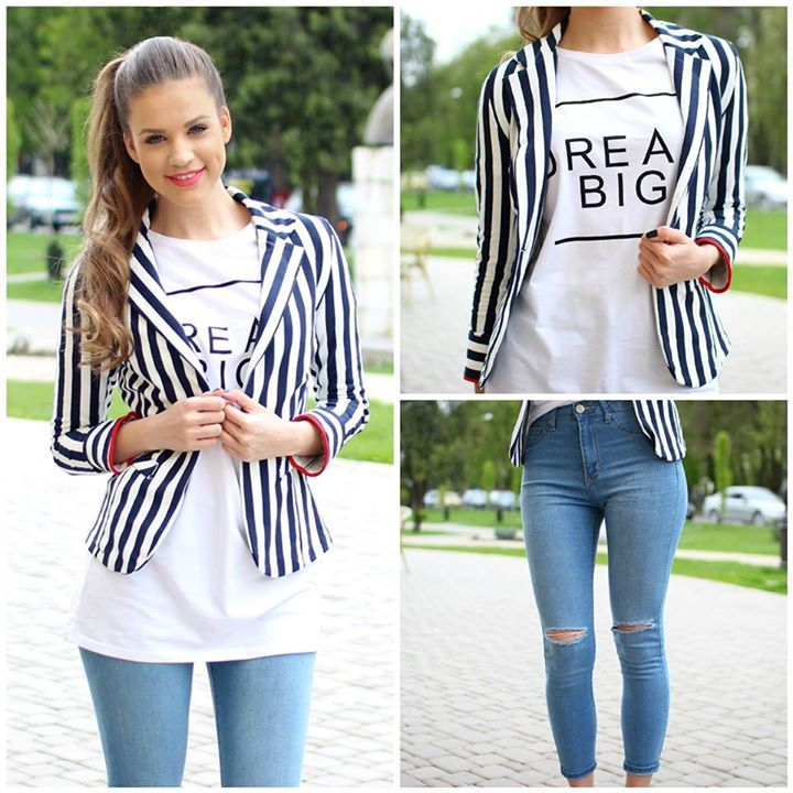 Striped #blazer and chic ripped #jeans...an A-list combo..:)  #moda #jeans #shopping #blazer #style #fashion